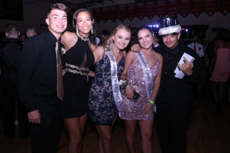 WCHS students dance the night away to bangers at Homecoming